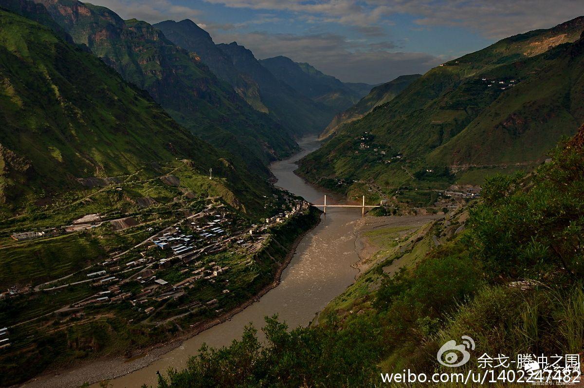 金沙江皎平渡。