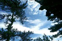 天水的小黄山  ----石门