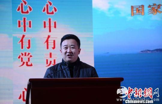 电视剧《谷文昌》制片人白皓天在发布会上致辞。 张金川 摄