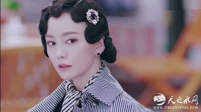 人气女星吕佳容