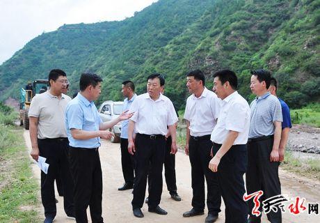 雷鸣 刘文玺赴藉口镇指导防汛工作