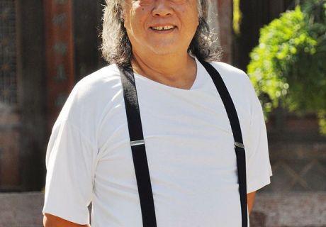 著名演播艺术家李野墨先生游龙城天水:真实的自我才能陪伴我们一生