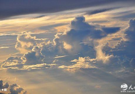 天之水网实拍越南上空的云(图文)