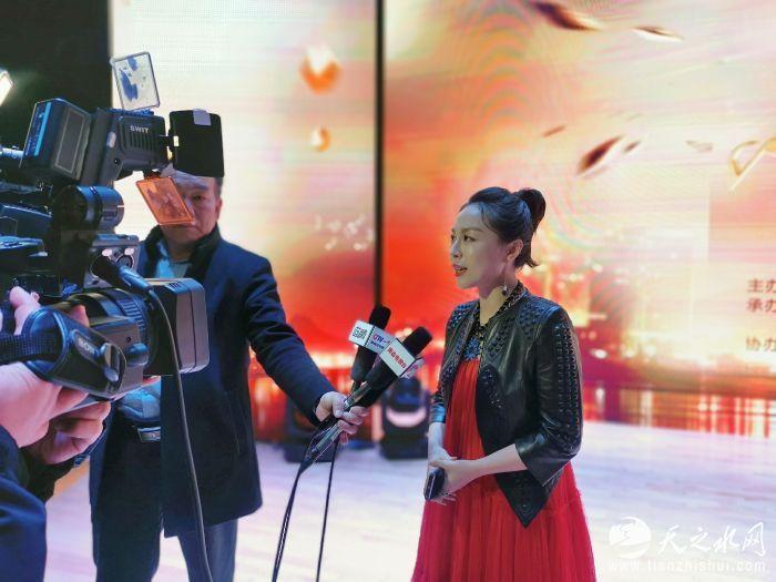 力上加力王奕丁出席十大金曲颁奖盛典3