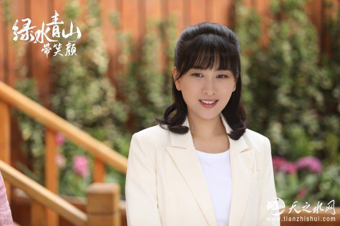 马苏饰演最美乡村女干部郑菲1