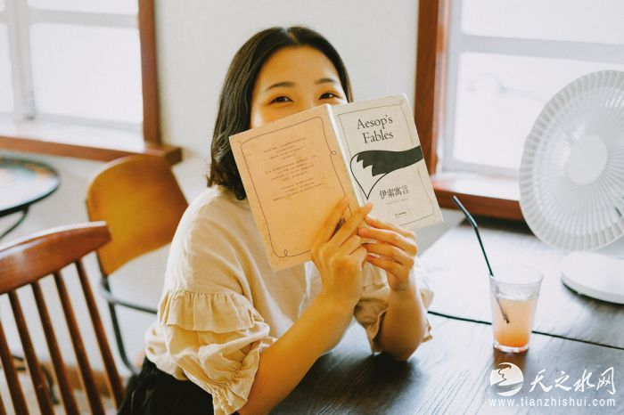 nEO_IMG_音乐人刘下夏季写真大片曝光,文艺少女尽显青春活力3