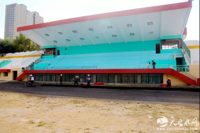 提升改造前的南山体育场